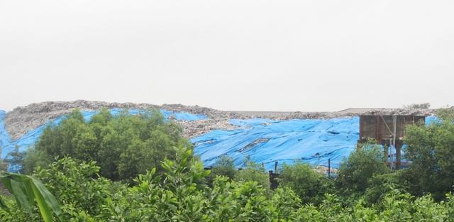Bãi rác quá tải, hàng nghìn tấn rác tồn đọng không thể xử lý - 2