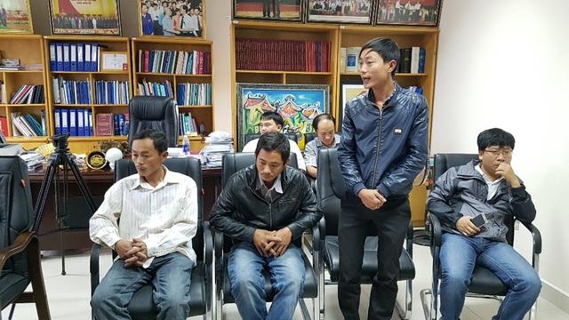 Anh Phan Cao, bố bệnh nhi Phan Thị Như Ý (5 tuổi, bị tử vong) phản ánh vụ việc với Bệnh viện Trung ương Huế