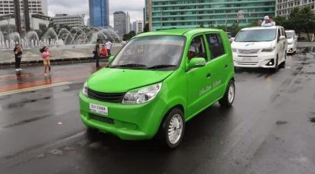 Một chiếc xe xanh của Indonesia mang tên evina ahmadi được ra mắt và sử dụng cho APEC năm 2013