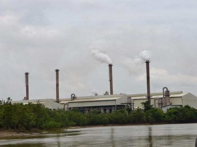 Một góc nhà máy Vedan Việt Nam, bên dòng sông Thị Vải Đồng Nai