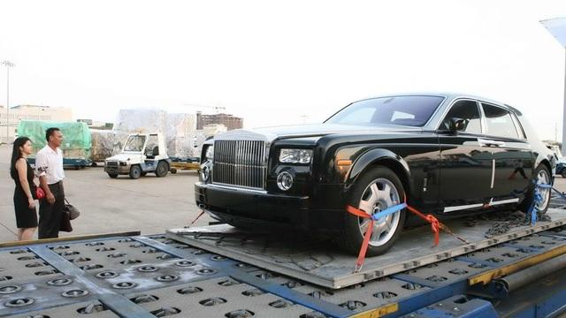 Hiện, trong các đợt thanh tra khai báo trị giá hải quan sau thông qua, ô tô nhập khẩu là những mặt hàng có rủi ro về giá cao nhất, số vụ vi phạm lớn nhất (ảnh minh họa)