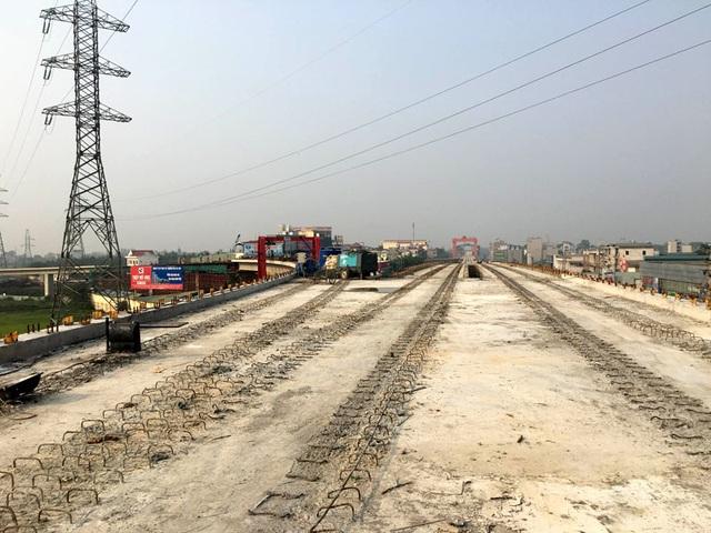 Dự án đã đủ vốn và mục tiêu đến hết năm 2016 hoàn thành xây lắp, từ 1/1/207 bắt đầu lắp đặt thiết bị chạy tàu