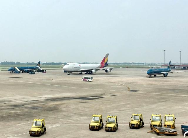 Hành khách người Trung Quốc bị từ chối nhập cảnh vào Việt Nam và trục xuất về nơi xuất phát