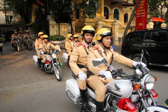 Phòng CSGT Hà Nội nghiêm cấm cán bộ chiến sỹ truy đuổi người vi phạm