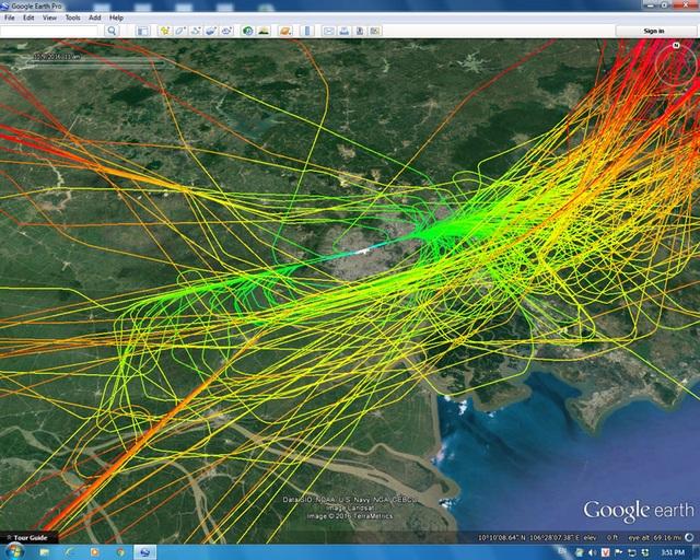 Bầu trời Tân Sơn Nhất giăng như mạng nhện khi điều hành bay theo phương thức cũ, thời điểm cuối tháng 10 - đầu tháng 11/2016