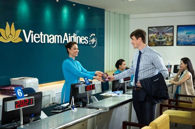 Hành khách nên mua vé máy bay tại các phòng vé, đại lý và các kênh bán chính thức của hãng hàng không để không bị rơi vào hoàn cảnh mua phải vé giả, vé giá cao
