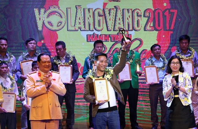 46 lái xe được trao giải Vô lăng vàng - 2