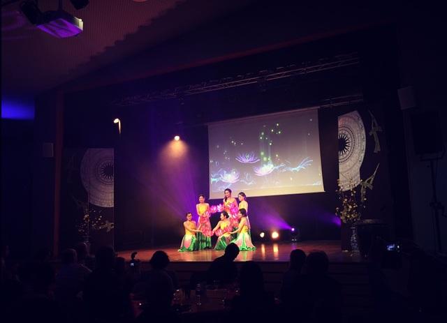 Du học sinh Việt Nam tại Nantes chào mừng năm mới Mậu Tuất - 3