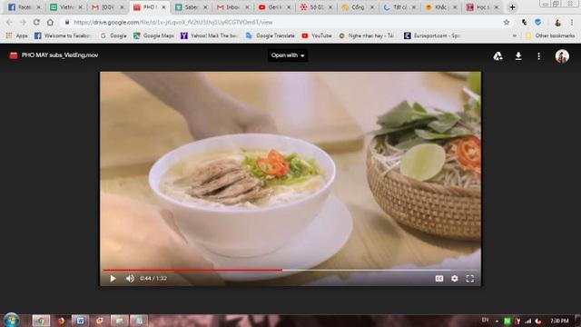 Vài lát ớt cùng lát chanh cốm làm tăng thêm hương vị khó quên cho món ăn đậm chất Việt Nam.