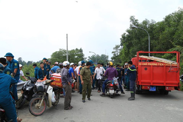 Lực lượng cứu hộ, cứu nạn được điều động tăng cường đến hiện trường