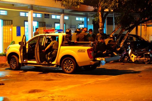 Hàng trăm trinh sát, cảnh sát cơ động đang tập trung tại các khu vực khả nghi, lùng sục, truy bắt nhóm học viên trốn khỏi Trung tâm cai nghiện Đồng Nai.
