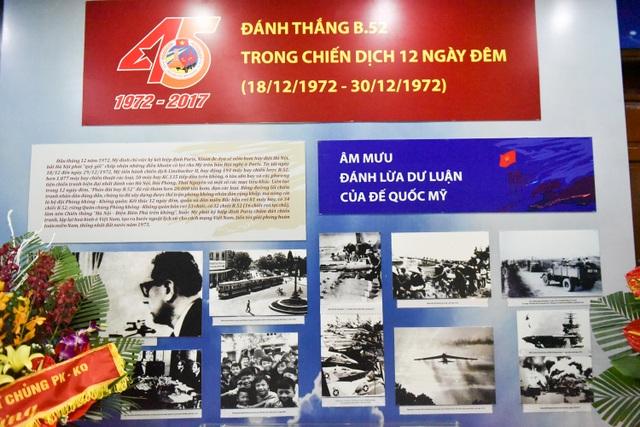 Cùng với đó, một số hình ảnh về ký ức những ngày tháng chống máy bay B52 cũng được sắp xếp, tái hiện sống động.