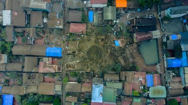 Vụ nổ khiến 2 trẻ em tử vong, 7 người bị thương và 5 ngôi nhà sập.