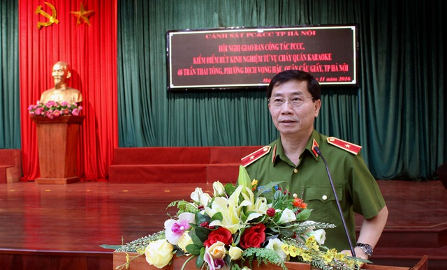 Thiếu tướng Hoàng Quốc Định - Giám đốc Cảnh sát PC&CC Hà Nội - chỉ đạo tại Hội nghị giao ban.