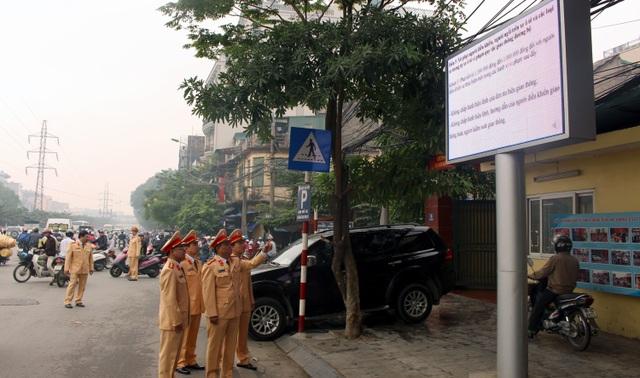 Hệ thống màn hình led được lắp đặt tại cổng trụ sở các Đội CSGT và trụ sở Phòng CAGT - CATP Hà Nội.