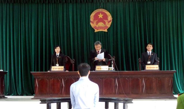 Nguyễn Quang Vinh phải nhận án phạt tù cho những hành vi mình gây ra.