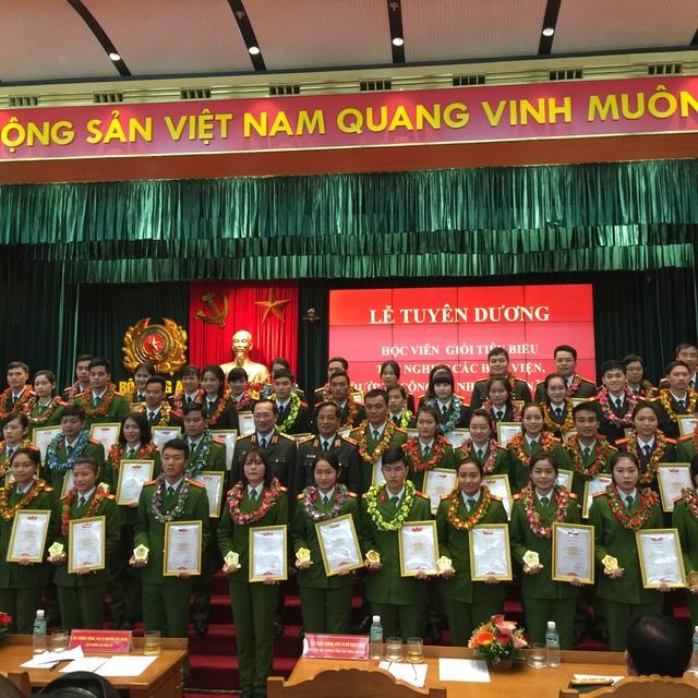 Các học viên xuất sắc tại Lễ tuyên dương
