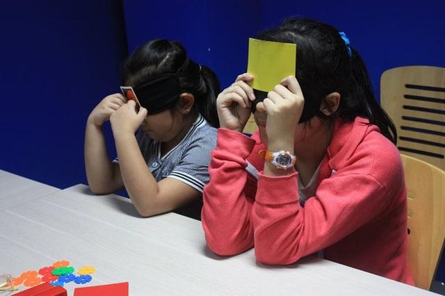 Trẻ tham gia một lớp học kích não