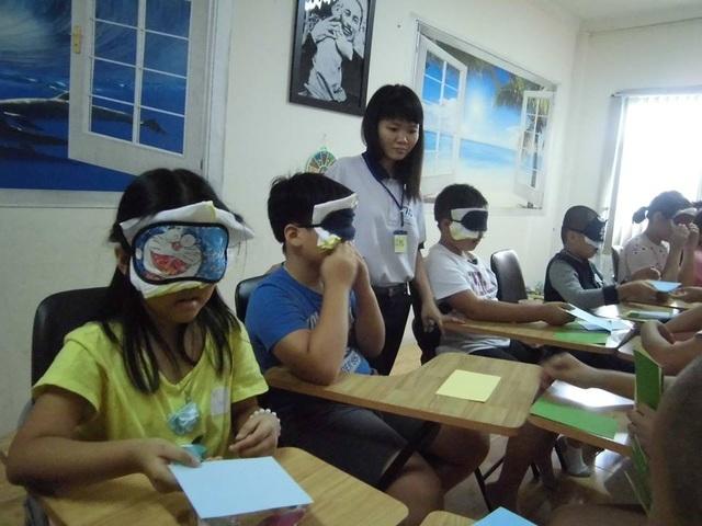 Học sinh tại một lớp học kích não