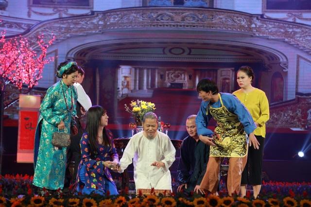 Nghệ sĩ Nguyễn Công Vượng và các nghệ sĩ trong chương trình Gala Tết vạn lộc 2