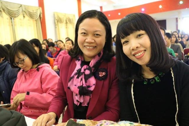 Chị Phan Hồ Điệp (phải) và PGS Chu Cẩm Thơ tại hội thảo