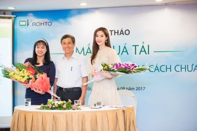 PGS-TS Trần An, Hoa hậu Đặng Thu Thảo và Dược sĩ Nguyễn Thị Ngọc Thu