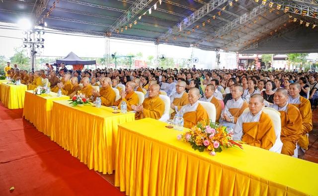 Ngoài sự hiện diện của các Chư Tôn Đức, Tăng Ni đến từ các chùa tại TP.HCM và Long An…