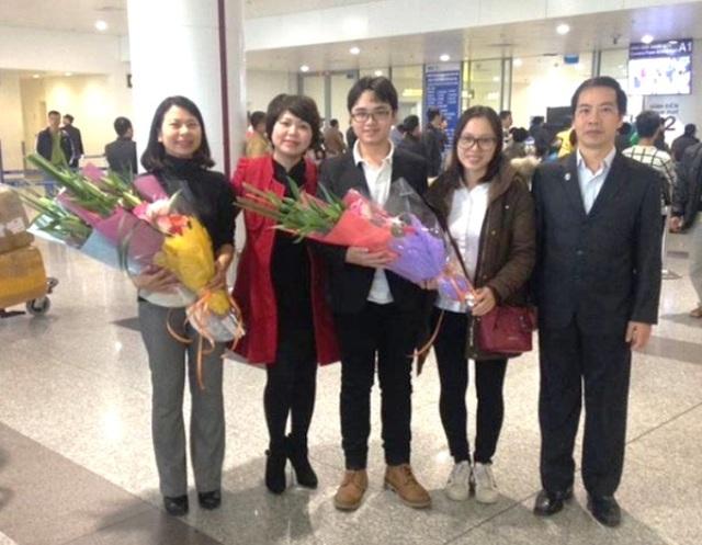 Chúc mừng thành tích của học sinh trường THPT chuyên Nguyễn Huệ (Hà Nội)