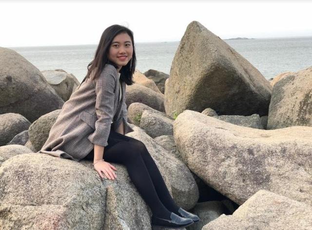 Phương Linh còn là hành viên lâu năm của dự án Sách hóa nông thôn - Books for Rural Areas, dự án được UNESCO và Quốc hội Mỹ trao giải thưởng trong năm 2016 và 2017 - với nhiều đóng góp tích cực, tiêu biểu như 70 tủ sách về vùng cao Hà Tĩnh trong năm 2017.