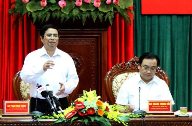 Trưởng ban Tổ chức Trung ương Phạm Minh Chính phát biểu chỉ đạo tại buổi làm việc với Thành ủy Hà Nội