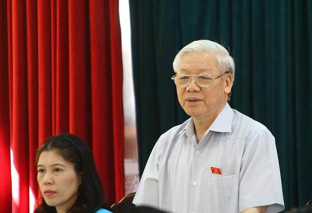 Tổng Bí thư Nguyễn Phú Trọng tiếp xúc cử tri quận Ba Đình trước kỳ họp Quốc hội