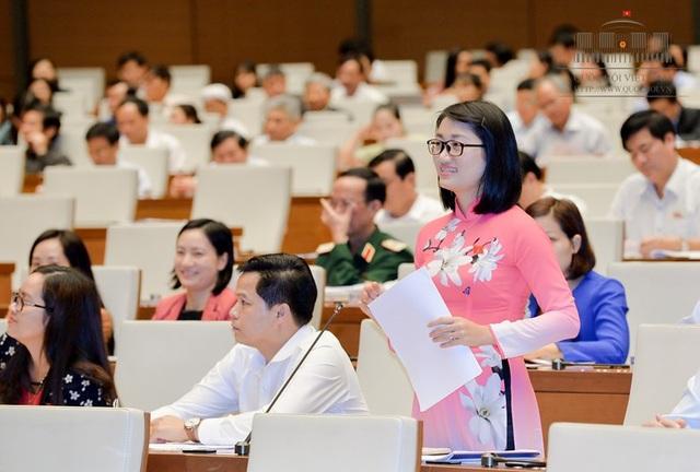 Đại biểu Triệu Thanh Dung cho rằng, lực lượng du lịch Việt Nam vừa thiếu lại vừa yếu