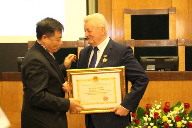 Hội nghị quốc tế về hợp tác nghiên cứu khoa học Việt Nam - Ba Lan lần thứ 4 - 4