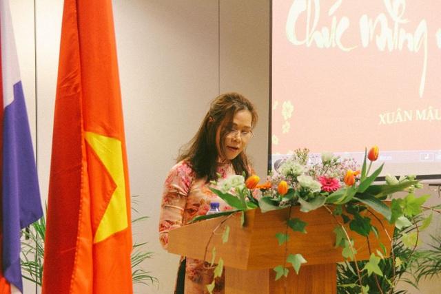 Đại sứ Việt Nam tại Hà Lan Ngô Thị Hòa phát biểu khai mạc.