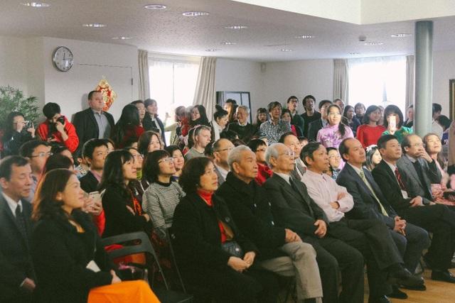 Ảnh chụp tập thể mọi người tham dự chương trình.