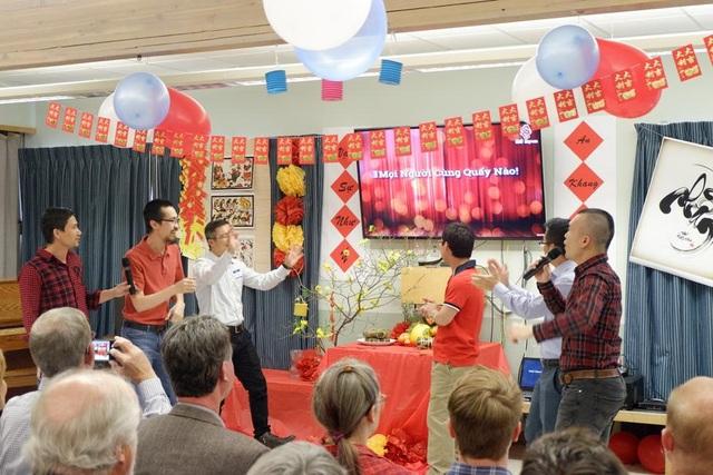 """Khách quốc tế ấn tượng """"Tết đoàn tụ"""" của du học sinh Việt tại ĐH Colorado - 3"""