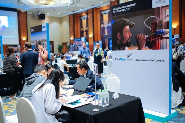 Tham gia các hội thảo, triển lãm du học là cơ hội tuyệt vời để tìm hiểu thông tin du học của các trường đại học ở New Zealand.