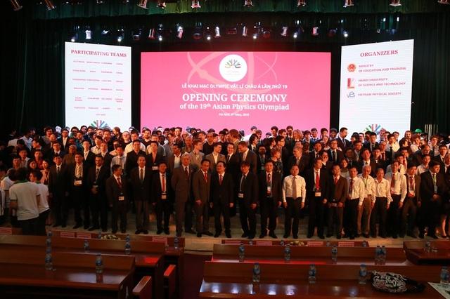 25 quốc gia tham dự kì thi Olympic Vật lí châu Á năm 2018 tại Hà Nội.