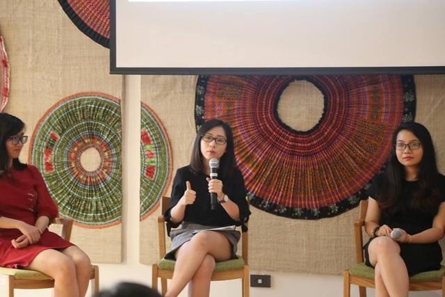 Diễn giả Doãn Thanh Minh Hiền (giữa).