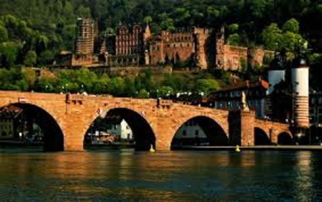 Đại học Heidelberg được vinh danh Đại học ưu tú của Đức và nằm trong số các trường Đại học hàng đầu của châu Âu.