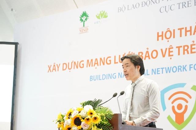 Ông Đặng Hoa Nam, Cục trưởng Cục Trẻ em, Bộ Lao động-Thương binh và Xã hội phát biểu tại hội thảo.