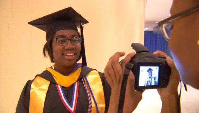 Dorothy Jean Tillman tốt nghiệp Đại học năm 12 tuổi. (Nguồn: WTEN/CNN)