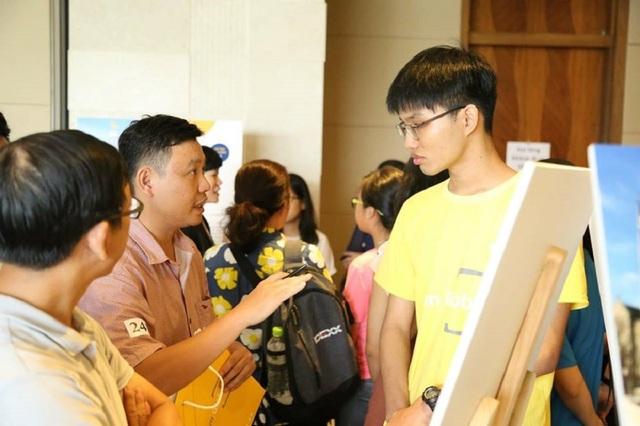 Phụ huynh hỏi du học sinh Việt tại Mỹ về kinh nghiệm chọn ngành học.