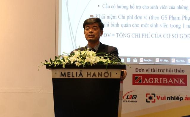 PGS.TS Thái Bá Cần, Hiệu trưởng Trường Đại học Hồng Bàng (TPHCM).
