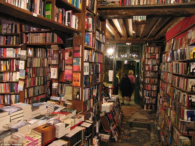 Hiệu sách Shakespeare and Company. (Ảnh: Flickr)