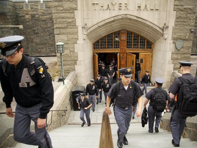 Tỷ lệ trúng tuyển năm 2017 của West Point là 9,4%.