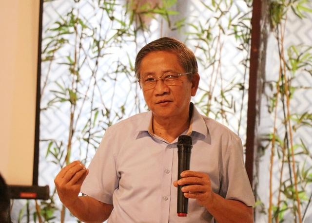 GS.Nguyễn Minh Thuyết chia sẻ những vấn đề liên quan đến chương trình giáo dục phổ thông tổng thể (GDPT mới) tại tọa đàm sáng 15/9.