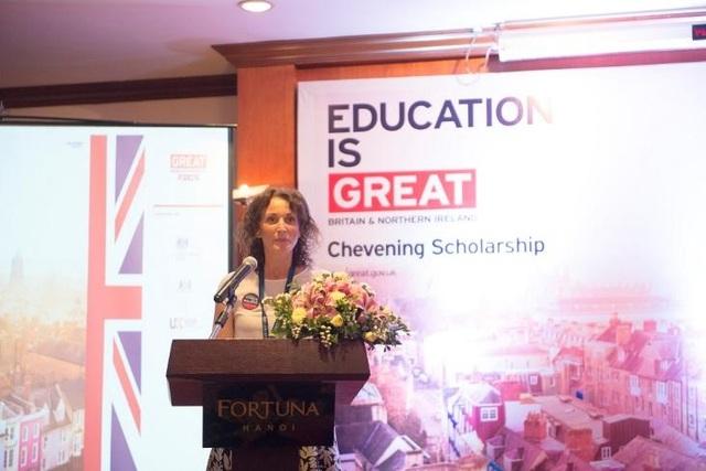 Bí thư thứ nhất của ĐSQ Anh tại Việt Nam Anna Pearson chia sẻ về chương trình học tập giáo dục tại Anh.