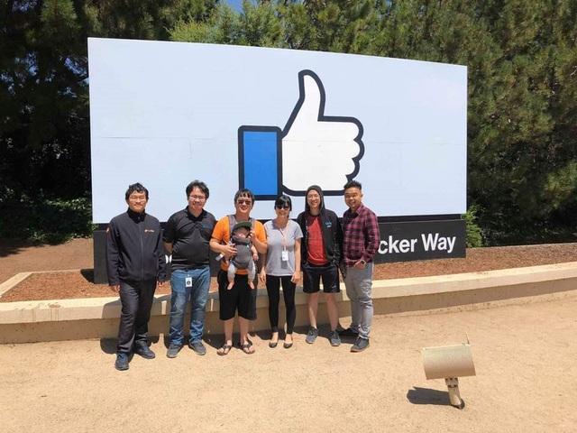 Trong thời gian làm việc tại Microsoft, chàng kỹ lập trình máy tính liên tục nhận được lời mời gọi từ các tập đoàn công nghệ thế giới như Facebook, Google, Amazon…