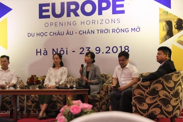 Chị Nguyễn Minh Châu (cựu du học sinh Bồ Đào Nha) đang chia sẻ về cách quản lý tài chính.